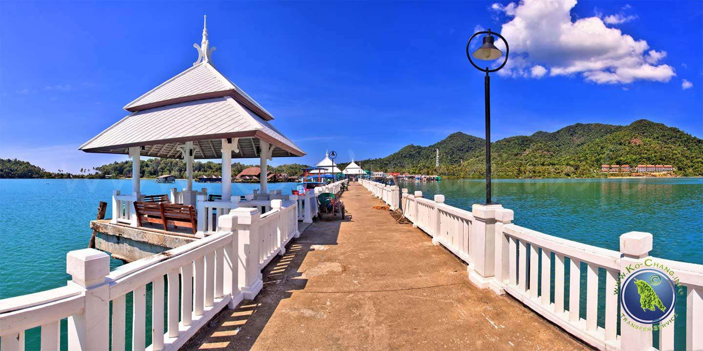 Der Pier der Bang Bao Bucht auf Koh Chang