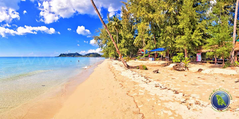 Klong Phrao Beach auf Koh Chang in Thailand