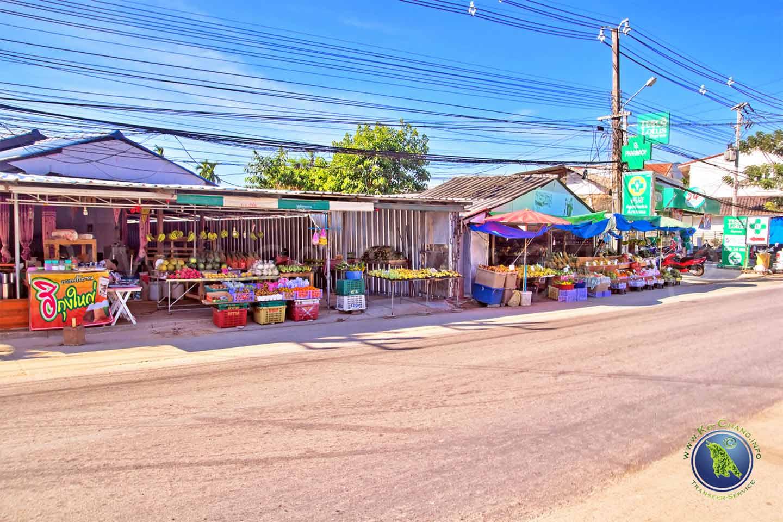 Shops am Klong Prao Beach auf Koh Chang