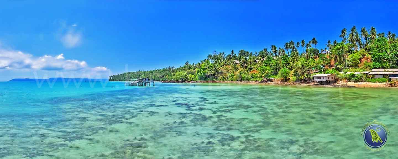 Ao Nid Bucht an der Ostküste Koh Maks in Thailand