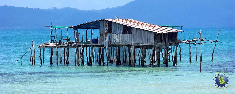 Fischerhütte vor Koh Mak in Thailand