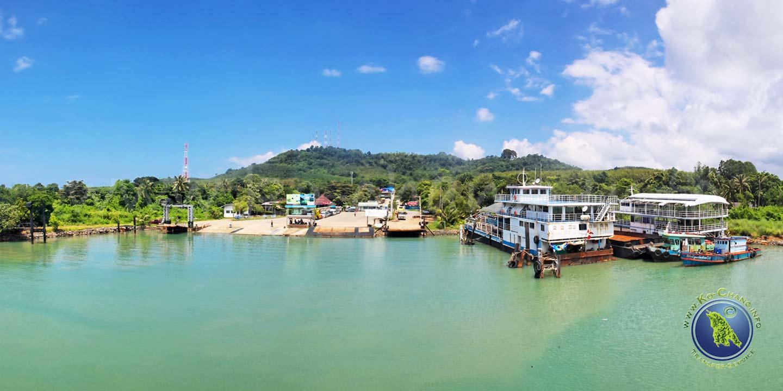Thammachat-Hafen am Festland