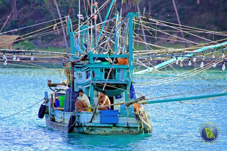 Fischerboote bei Koh Kood in Thailand
