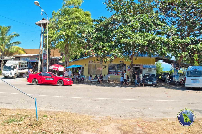 Laem Sok Pier sur le continent en Trat, Thaïlande