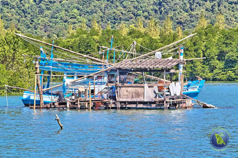 Fischerboot in der Salak Phet Bucht auf Koh Chang