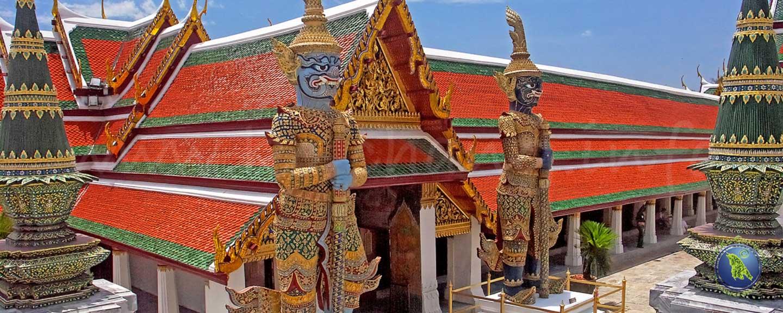 Palais royal (Wat Phrakeo) à Bangkok en Thaïlande