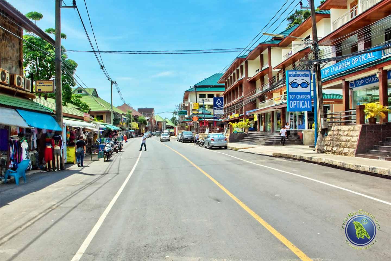 Dorf beim White Sand Beach auf Koh Chang